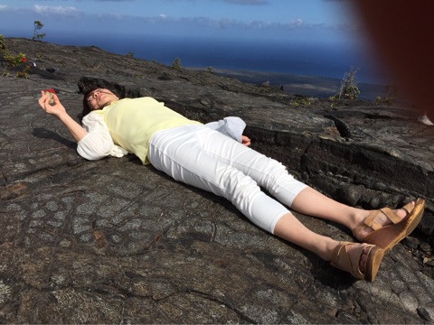 ハワイ島溶岩の上でエネルギーヒーリング